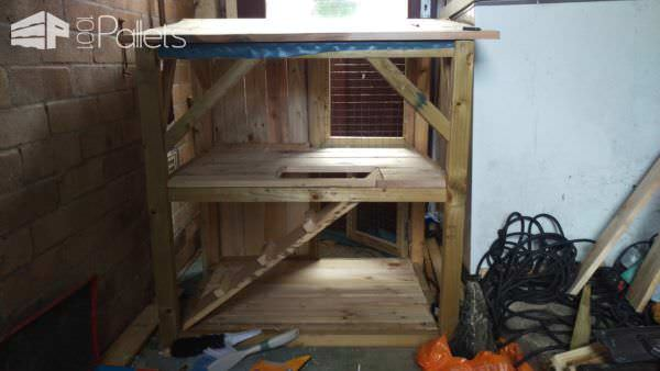 1001pallets.com-rabbit-castle-hutch3