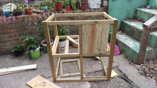 1001pallets.com-rabbit-castle-hutch2