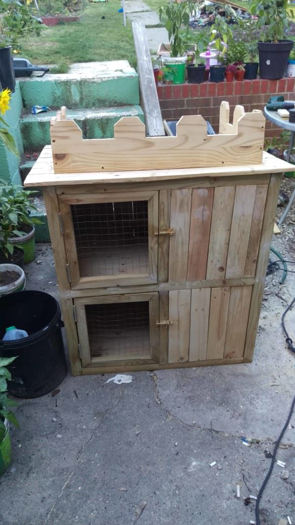 1001pallets.com-rabbit-castle-hutch