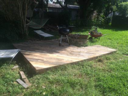 Patio Deck Out Of 25 Wooden Pallets 1001 Pallets