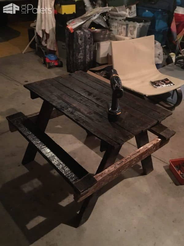 Petite Pallet Picnic Table Pallet Desks & Pallet Tables