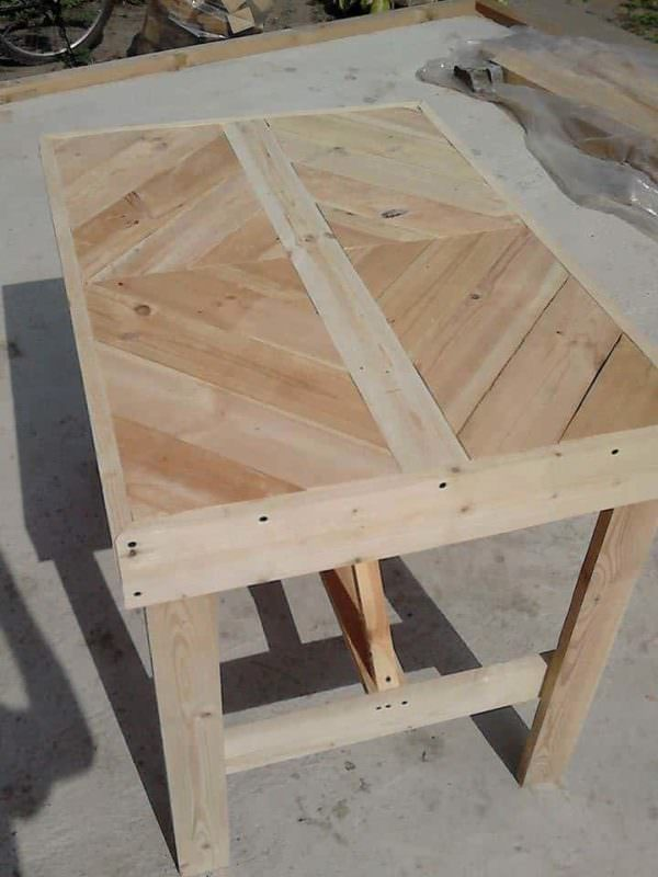 Multi-Purpose Pallet Table 1