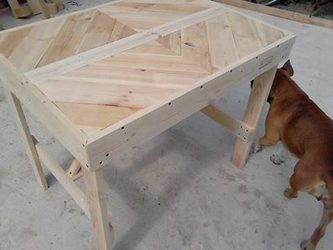 Multi-Purpose Pallet Table 4