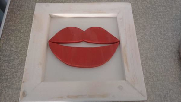 Framed Red Lips From Scrap Pallets Pallet Wall Decor & Pallet Painting