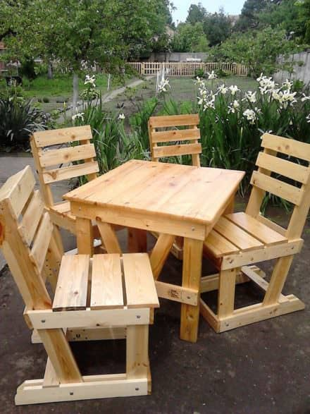 Lovely Pallet Wood Garden Dining Set