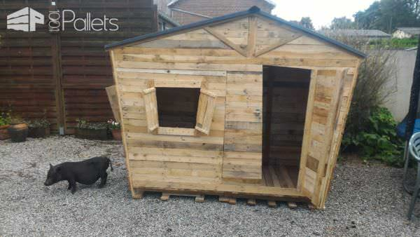 Fun Pallet Playhouse 5