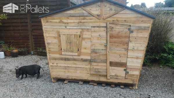 Fun Pallet Playhouse 4