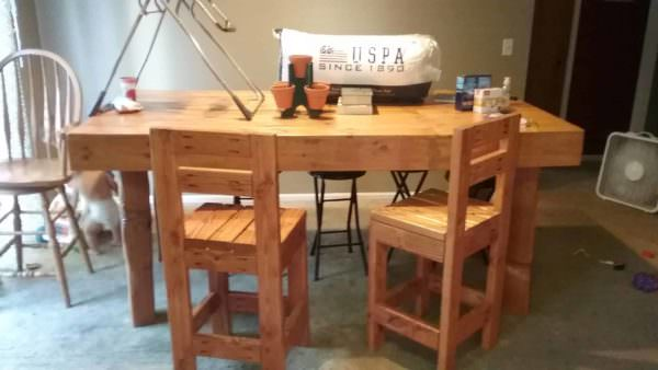 Big Beautiful Pallet Kitchen Table Set Pallet Desks & Pallet Tables