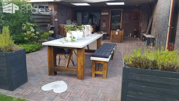 Concrete-topped Outdoor Pallet Table Set Pallet Benches, Pallet Chairs & Stools Pallet Desks & Pallet Tables