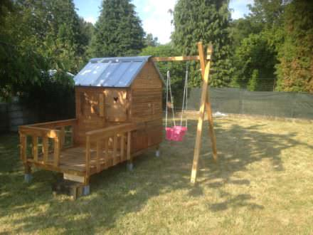 Pallet house plans pallet sheds cabins playhouses for Plan cabane enfant palette