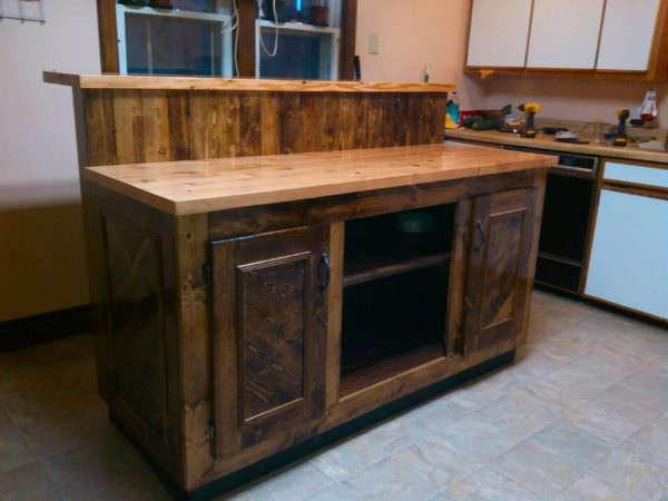 1001pallets.com-Two-tier Pallet Kitchen Island1