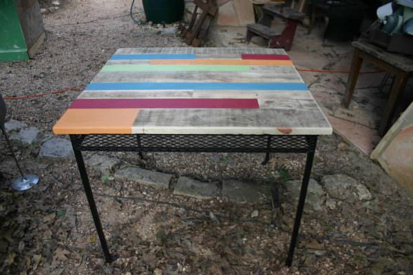 Rescued Rusty Table Into Gorgeous Pallet Table Set Pallet Benches, Pallet Chairs & StoolsPallet Desks & Pallet Tables