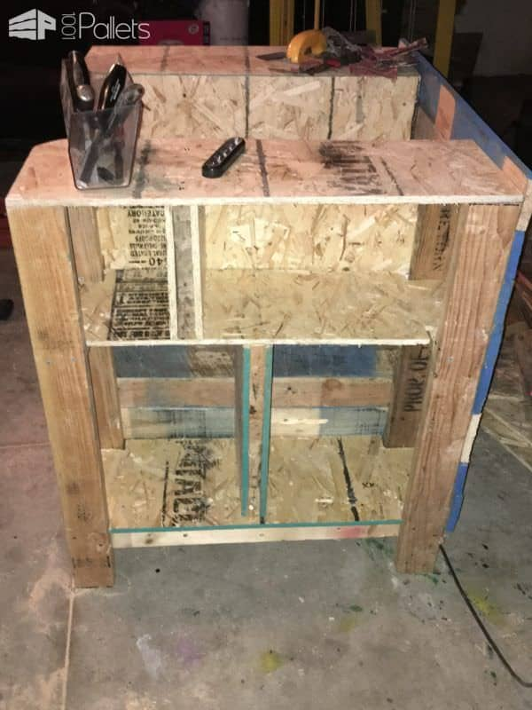 Storage Compartment Pallet Bookcase Lincoln Chair Pallet Benches, Pallet Chairs & StoolsPallet Bookcases & Pallet Bookshelves