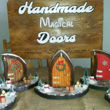 Super-cute Mini Christmas Pallet Doors