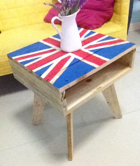 Tripod Flag-theme Mini Pallet Coffee Table Pallet Coffee Tables