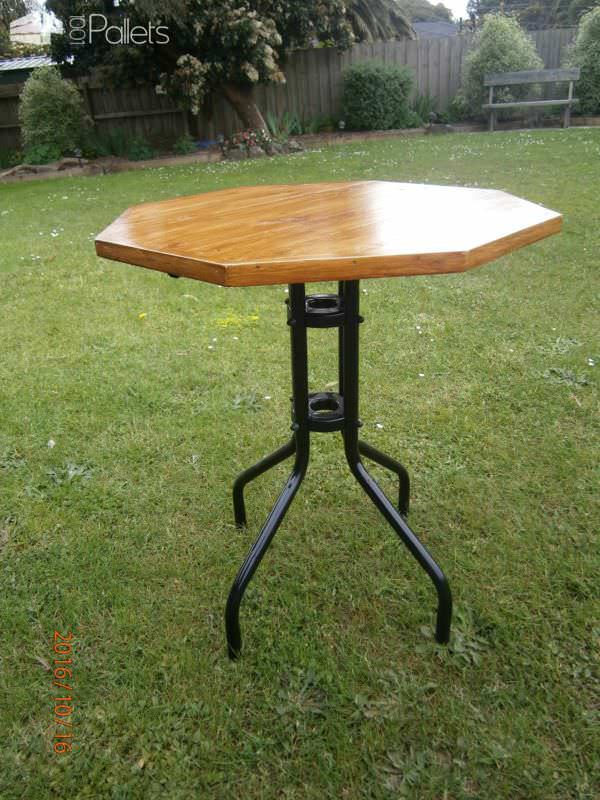 Octagonal Pallet Patio Table4