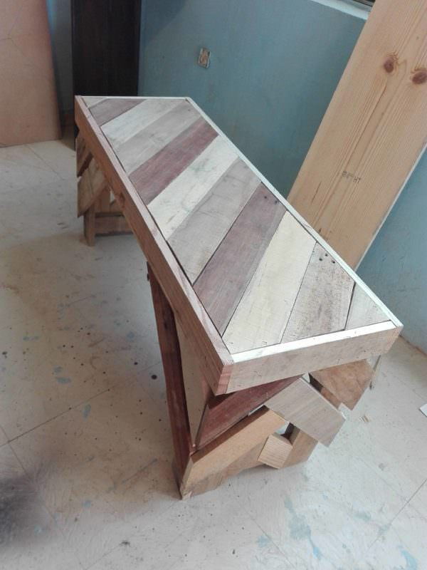 Diagonal Pallet Bench2