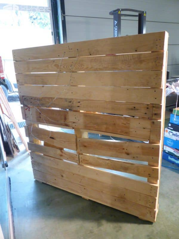 Beautiful Lit Pallet Liquor / Stemware Shelf Pallet Bars