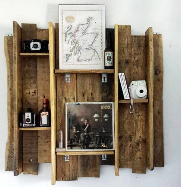 Beautifully rustic pallet shelves tag re r alis e avec for Etagere avec palette