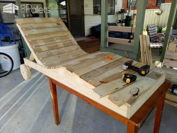 Body-contoured Pallet Chaise Lounger DIY Pallet Furniture Lounges & Garden Sets