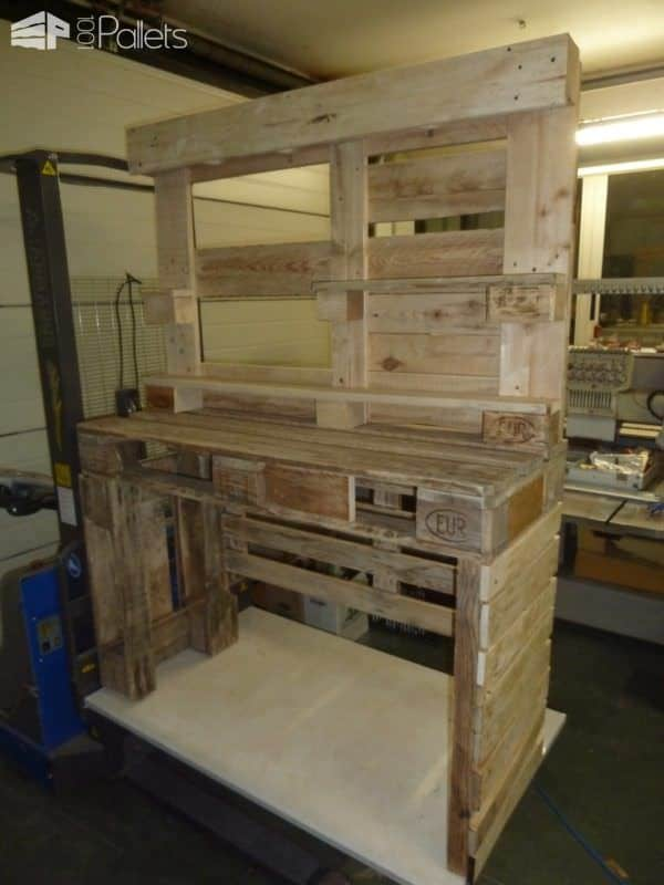 Gorgeous mirrored pallet vanity set with jewelry rack 1001 pallets - Coiffeuse en palette ...