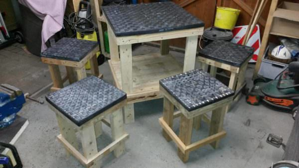 Innovative Inner Tube Pallet Lounge Set Pallet Desks & Pallet Tables