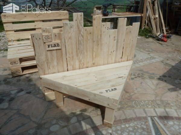 1001pallets.com-mOutdoor Pallet Sectional Set3