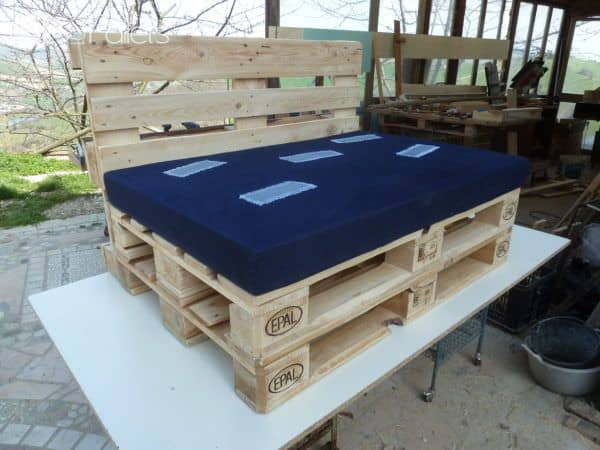 1001pallets.com-Outdoor Pallet Sectional Set2
