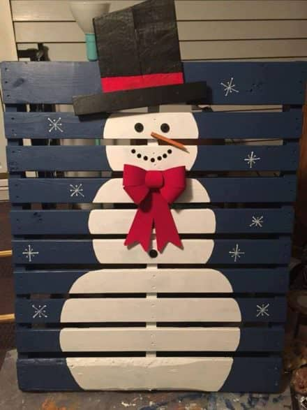 Show Your Pride With Themed Painted Pallets