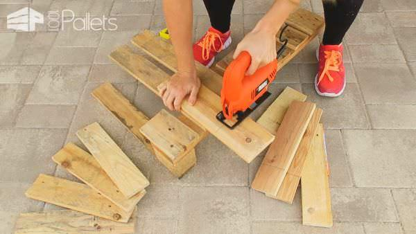 Tutorial: Build This Gorgeous Pallet Wall Clock DIY Pallet Video Tutorials Pallet Clocks