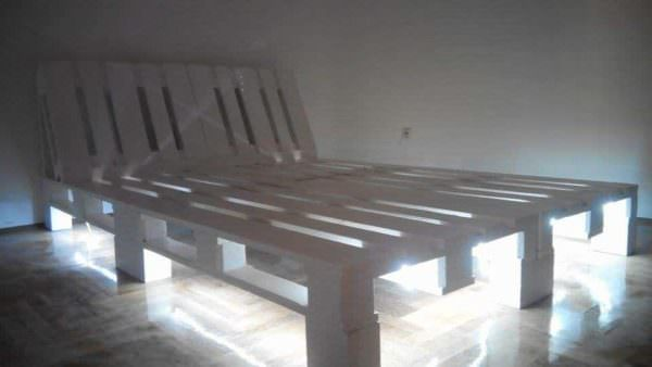 Underlit Pallet Double Bed2
