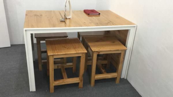Little Pallet Dining Table Set1