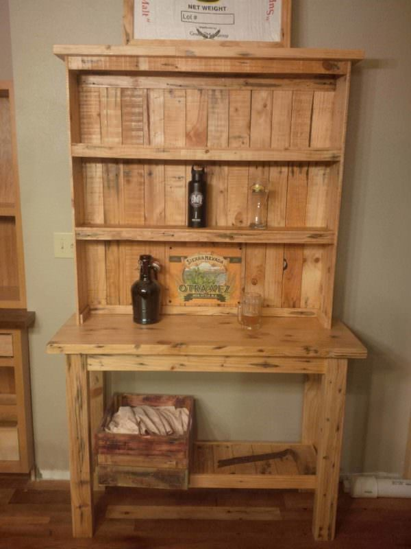 Pine Two-Piece Pallet Beer Hutch1