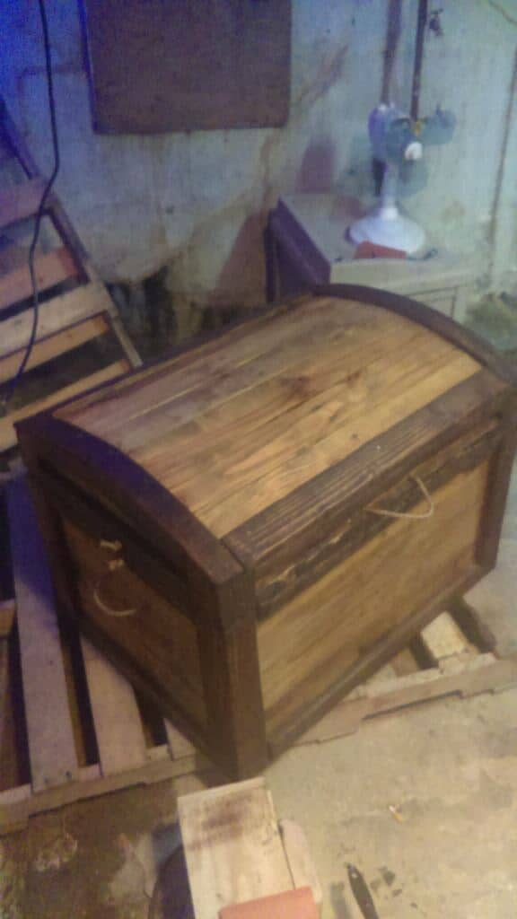 Amazing No-cost Arch-topped Pallet Trunk Pallet Boxes & Chests