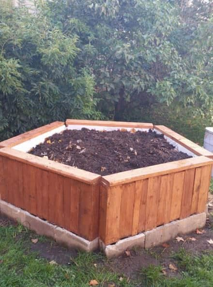 Beautiful, Practical Pallet Raised Garden Bed