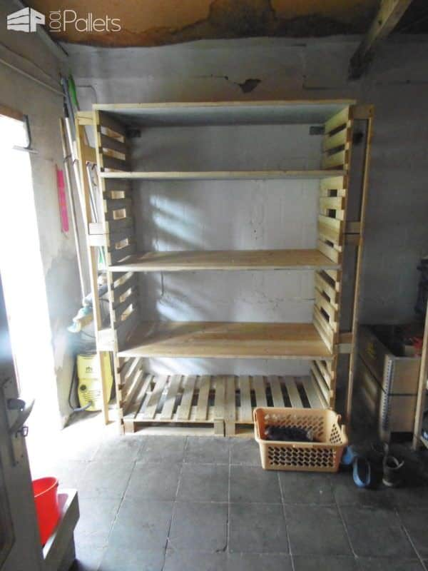 Big Pallet Organization Rack For Scrap Wood Pallet Bookcases & Bookshelves Pallet Shelves & Pallet Coat Hangers