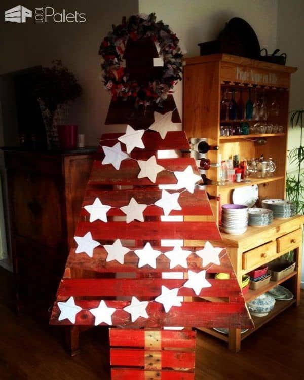 Cherry-Red Pallet Christmas Trees2