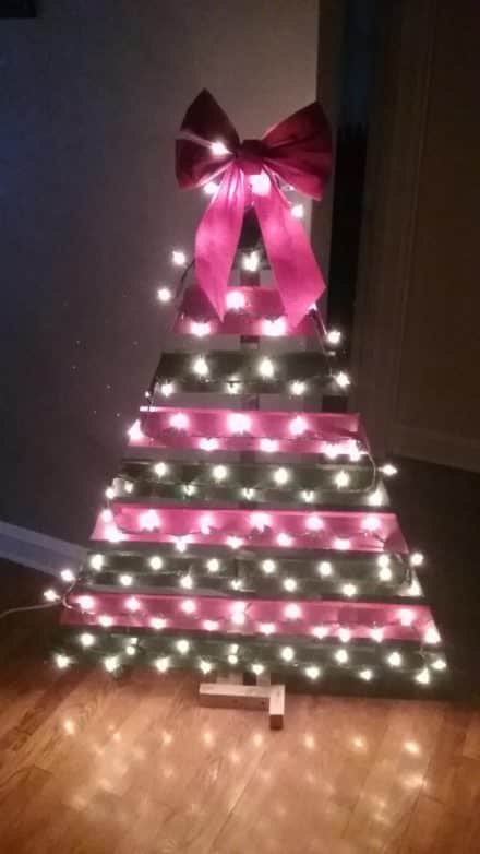 Easy Pallet Christmas Tree Under 15 Bucks!