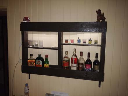 Easy, Underlit Pallet Wine Storage Shelf