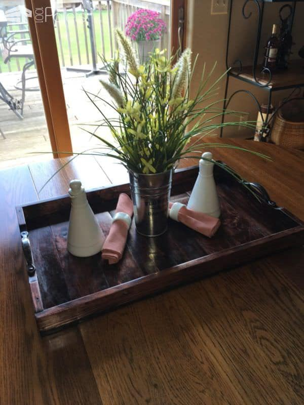 Elegant Pallet Wood Serving Tray That's Almost Too Pretty To Use Pallet Home Accessories