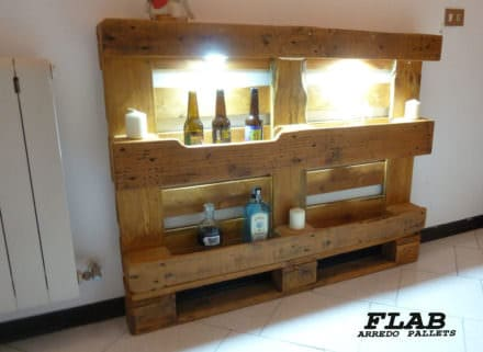 Mobile Pallet Hallway Display Shelving / Mobile Corridoi