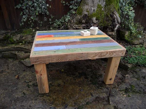 Multi-colored Coffee Table / Table Basse Pallet Coffee Tables