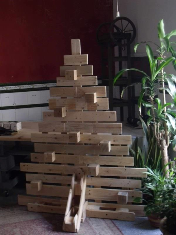 Pallet Block Christmas Tree1