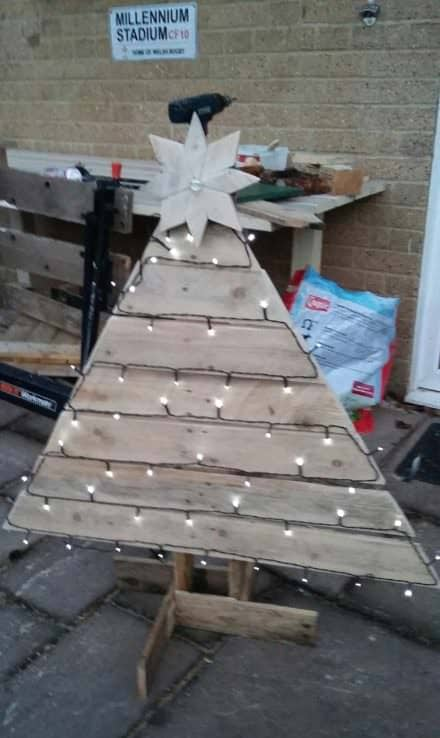 Outdoor Pallet Christmas Tree Sporting Custom Star Topper