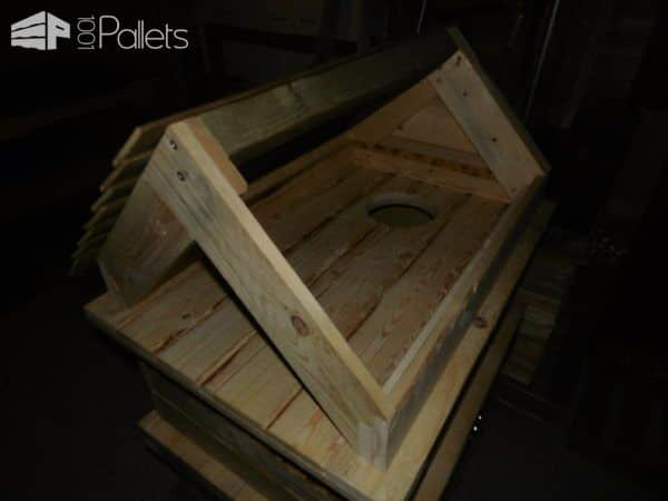 Outrageous Outdoor Deluxe Pallet Cat House Animal Pallet Houses & Pallet Supplies