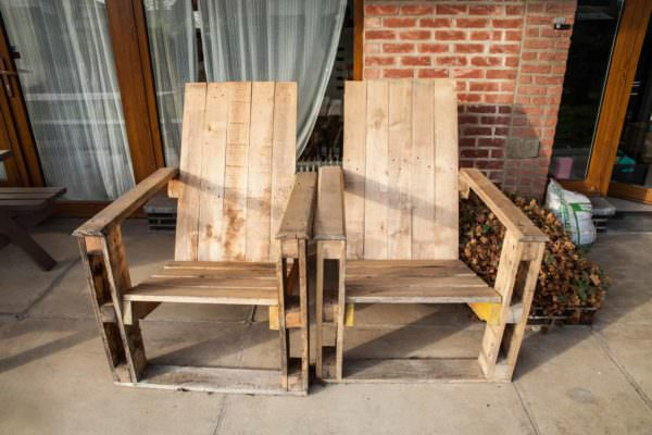 Pallet Garden Chair Pair4
