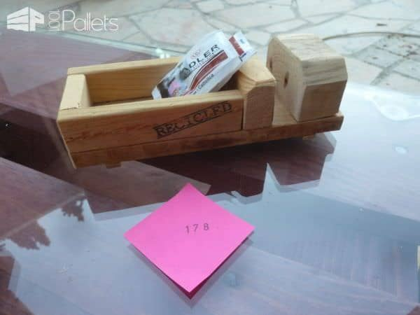 Pallet Wood Sugar Packet Holders4