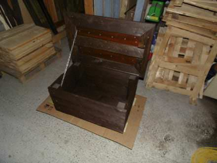 Slick Pallet Coffee Table With Hidden Chest