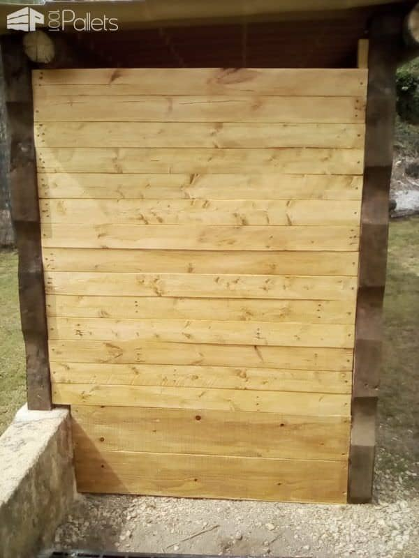upcycled pallet storage shelter abri a bois palette et r cup 39 1001 pallets. Black Bedroom Furniture Sets. Home Design Ideas