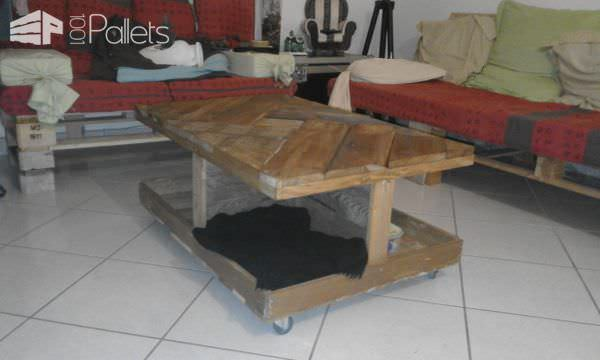 Geometric Patterned Pallet Coffee Table On Wheels3